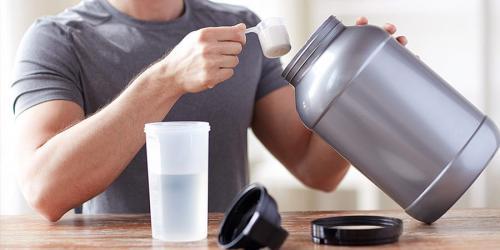 مشروب البروتين فوائده وأفضل وقت لتناوله
